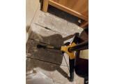 Vends Squier Stratocaster 60 s gaucher + ampli Boss Katana  50 mk2 + d addario ric b15 + câble Roland