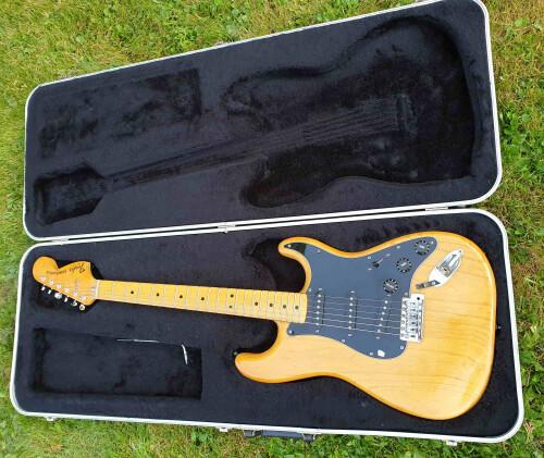Fender Stratocaster [1965-1984] (2703)