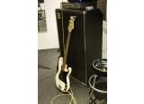 Ech/vds Fender Precision Am Std contre Fretless