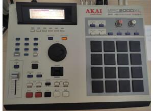 Akai Professional MPC2000XL (5686)