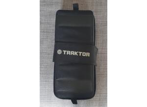 Native Instruments Traktor Kontrol F1 (27117)