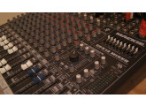Vends Table mixage MACKIE CFX12 + Fly Case
