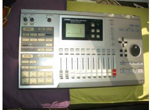 Zoom MRS-1044