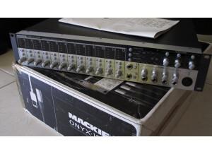 Mackie Onyx 1200F