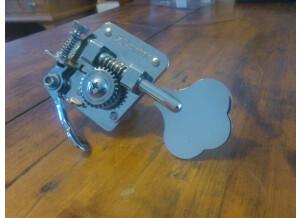 Hipshot mécanique BT-7 D-Tuner pour basse