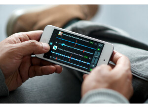Native Instruments Traktor DJ for iPhone and iPod Touch