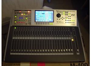 Roland M 400