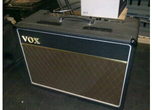 Vox AC 15 MADE IN ENGLAND (anciènne version) 7929