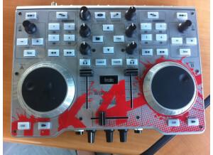 Hercules DJ Console Mk4 (412)