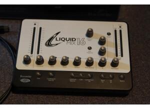 Focusrite Liquid Mix 16 (37463)